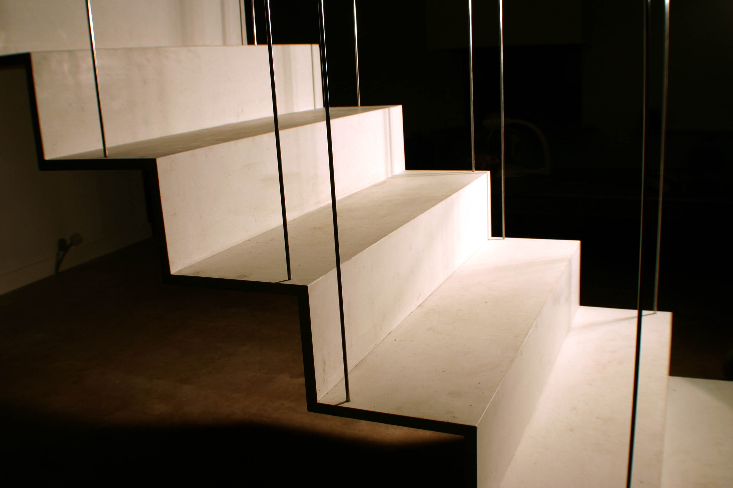 escalier suspendu conjugaison cr ation. Black Bedroom Furniture Sets. Home Design Ideas